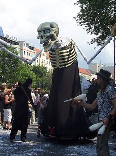 20a Hura Echt Street Puppets by Jazzineva, via Flickr