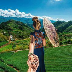 Alishan Tea Terraces in Taiwan (the photo series by Russian Photographer, Murad Osmann) Alishan Taiwan, Murad Osmann, Amazing Photography, Travel Photography, Taiwan Travel, Tea Culture, Follow Me, Belle Photo, Beautiful World