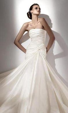 Elie Saab Karla available on PreOwnedWeddingDresses.com  #musthave #wedding #mybigday