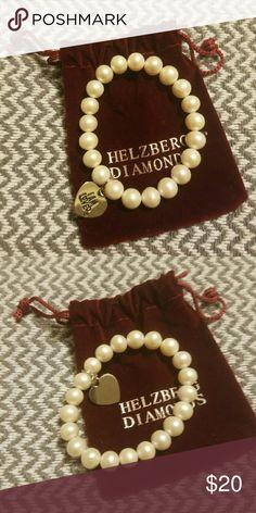 Brand newHelzburg pearl bracelet Brand new Helzburg pearl bracelet Jewelry Bracelets