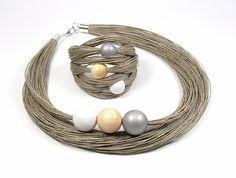 Fabric Necklace, Fabric Jewelry, Diy Necklace, Jewelery, Jewelry Necklaces, Bracelets, Bracelet Making, Jewelry Making, Homemade Jewelry