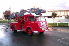Pour ce samedi sur #BonjourLaVieille, une #Renault #Goelette #Pompiers
