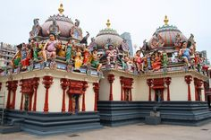 Some exquisite hindu temples that you must visit in Singapore. #Travel #Trips365