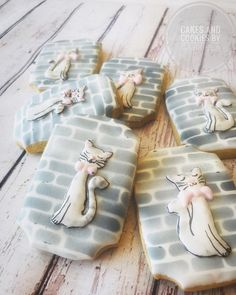 """Cake and cookies by Gabriela on Instagram: """"Cat cookies #customizedcookies #catcookies #doha #qatarlife #medovniky #zilina"""" Cat Cookies, Custom Cookies, Doha, Cats, Instagram, Gatos, Cat, Kitty, Kitty Cats"""