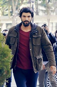 Turkish Actors, Best Actor, Best Tv, Cool Photos, Handsome, Leather Jacket, Denim, Boys, Black