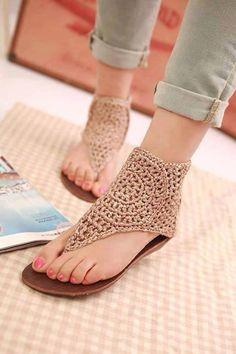 Parmak arası örgü ayakkabı