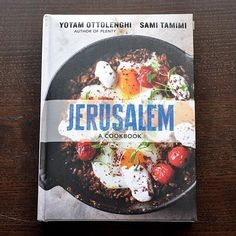 Jerusalem: A Cookbook by Yotam Ottolenghi and Sami Tamimi. Delisious 120 recipes exploring the flavors of all of Jerusalem: Muslim, Jewish and Christian recipes. Yotam Ottolenghi, Ottolenghi Recipes, Jerusalem Cookbook, East Jerusalem, Krantz Cake, Sami Tamimi, Mezze, Best Cookbooks, Healthy Recipes