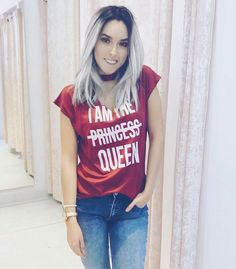 team queen Best Youtubers, Poses, Queen, T Shirts For Women, Tank Tops, Outfits, Hair, Fashion, Grandchildren