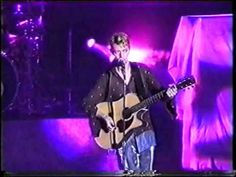 -----------David Bowie - The Jean Genie (Live in Zaragoza, Spain 1997) 3/22