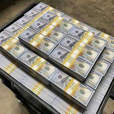 100 Dollar Bill, Dollar Money, Dollar Bills, Flipagram Video, Make Money Online, How To Make Money, Money On My Mind, Money Today, Money Bill