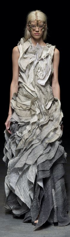 Yiqing Yin Haute Couture Spring 2014 Wow, just wow !!