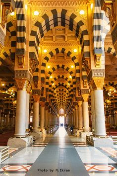 Mecca Mosque, Grand Mosque, Al Masjid An Nabawi, Masjid Al Haram, Muslim Pictures, Islamic Pictures, Islamic Architecture, Art And Architecture, Islamic Sites
