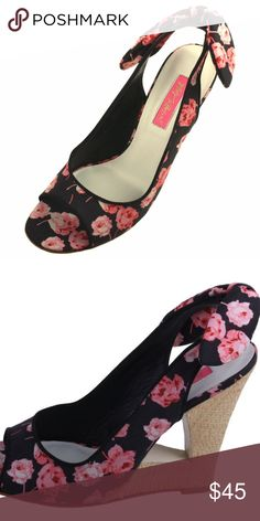 7aed95aadc23 Betsey Johnson Foster Womens Wedges Size 9.5 Fabric upper Peep toe  construction Bow tie sling back
