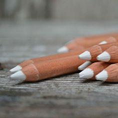O lápis especial para riscar em quadro negro (encontrei em um site no exterior)