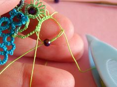 Carollyn's Tatting Blog: Another Occhi Bead Technique Invention For Rings