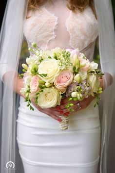BUCHETE DE MIREASA NUNTA , MADE BY TONI MALLONI EVENT DESIGNER, EVENTURE CO. Flower Bouquet Wedding, Table Decorations