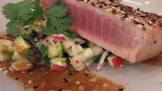 Tunfiskbiff med sesamdressing og salat Tuna, Fish, Meat, Pisces, Atlantic Bluefin Tuna