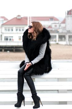 Style Flying in casual fur.
