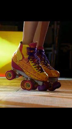 Moon Jewelry, Son Luna, Disney Films, Roller Skating, Disney Channel, Skateboard, High Top Sneakers, Rollers, Shoes