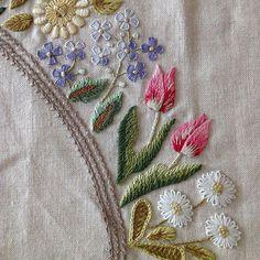 new brazilian embroidery patterns Brazilian Embroidery Stitches, Hand Embroidery Stitches, Hand Embroidery Designs, Embroidery Techniques, Embroidery Thread, Decorative Hand Towels, Sewing Art, Needlework, Boutique