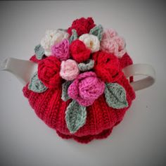 Crochet Roses Craft a cure for cancer free tea cosy patterns: Rose tea cosy: - Tea Cosy Knitting Pattern, Tea Cosy Pattern, Knitting Patterns Free, Free Knitting, Crochet Patterns, Finger Knitting, Scarf Patterns, Knitting Tutorials, Crochet Mug Cozy