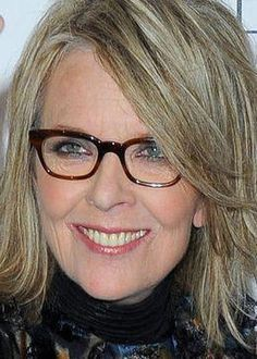 Mom Hairstyles, Hairstyles Over 50, Christmas Hairstyles, Trendy Hairstyles, Wedding Hairstyles, Diane Keaton Hairstyles, Grey Hair Over 50, Divas, Aging Gracefully