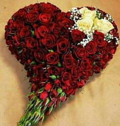 Let's give your boos and baes that memorable birthday package and be glad you did! Surprise that special person in your life and brighten up their day! Send us a DM! Arrangements Funéraires, Large Flower Arrangements, Funeral Flower Arrangements, Funeral Flowers, Wedding Flowers, Luxury Flowers, Unique Flowers, Valentine Flower Arrangements, Fleur Design