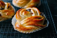 Buns with raisins | funnpicc.com