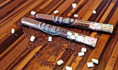 Heute zeige ich Euch ein schnelles DIY. Heiße Schokolade zum verschenken. Super einfach und schnell gemacht.