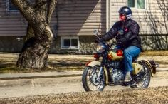 Ridin' Easy - Royal Enfield Classic 500 Enfield Classic, Royal Enfield, Muscle Cars, Outdoors, Trucks, Easy, Animals, Animales, Animaux