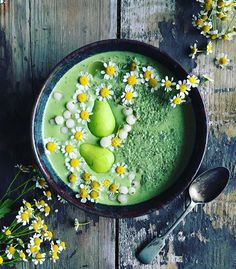 "2,572 Likes, 60 Comments - ami | vegan | sydney (@the_sunkissed_kitchen) on Instagram: ""Green bowl love . I have been making a lot of green smoothies lately...I always feel so much…"""