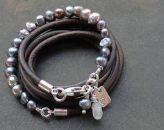 331081e2fddb Multi-wrap Pearl Leather bracelet darkened silver iridescent Pärlarmband,  Charmarmband, Läderarmband, Smycken