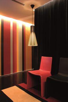 XYZ Arquitectos Associados - Gabinete Médico - Matosinhos - Portugal - interior design - office - Secto pendant light Secto Design - Eleonora chair Porada