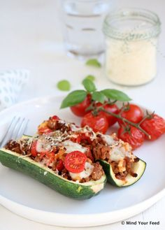 Gevulde courgette met gehakt, paprika en mozzarella Healthy Recipes On A Budget, Healthy Crockpot Recipes, Healthy Meals For Kids, Healthy Meal Prep, Healthy Food, Mozzarella, Healthy Diners, Quiche, Food Porn