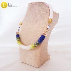 Indigó kék -neon zöld,  egyedi, kézműves pamut nyaklánc Blue Necklace, Kinds Of Shoes, Golden Color, Unique Necklaces, Handmade Jewelry, Jewellery Diy, Classic White, Neon Green, Accessories