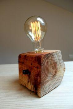 Lámpara de cedro japonés