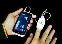 A smartphone-powered oximeter that relies on a headphone jack for charging. This iOS and Android compatible device helps you keep track of your pulse rate and blood oxygen levels.