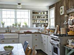 nem kell az egész konyhát lecserélni a felújításnál - sokszor elég csak újrafesteni, újragondolni azt, ami megvan