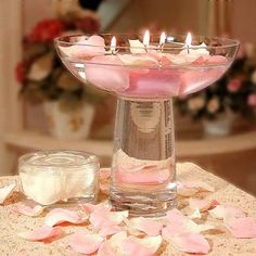 centerpieces, water, floating, candles, flowers