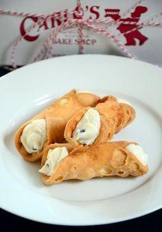 Carlo's Bakery Cannoli