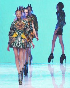 alexander mcqueen s/s 2010 rtw, magdalena frackowiak closing 'plato's atlantis' at paris fashion week