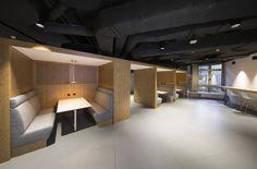 """Die Mobiliar hat an ihrem Hauptsitz in Bern eine Bürofläche von rund 2000 Quadratmetern zu einer """"neuen Arbeitswelt"""" umgebaut. Das Ziel: offener, schneller u..."""
