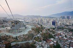 Metro Cable Caracas / Urban Think Tank. Image © Iwan Baan