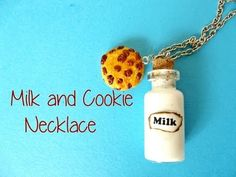 Milk and Chocolate Cookie Necklace Charm in Fimo Polymer Clay - Video Tutorial(Bottle Charms Ideas) Polymer Clay Miniatures, Polymer Clay Charms, Polymer Clay Projects, Handmade Polymer Clay, Polymer Clay Earrings, Bottle Jewelry, Bottle Charms, Bottle Necklace, Necklace Charm