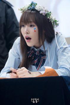 Gfriend - Yuju South Korean Girls, Korean Girl Groups, Gfriend Yuju, K Pop Star, G Friend, Asian Fashion, Kpop Girls, Asian Beauty, Asian Girl