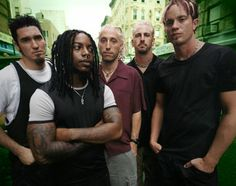 Old School Sevendust. Look at those highlights on Vinnie! Favorite metal band ever!