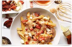 We didn't think Poutine could get any better! The Bacon Poutine was created by chef Charlene Rowland at Wayne Gretzky's restaurant, Toronto. Appetizer Recipes, Snack Recipes, Appetizers, Cooking Recipes, Mccain Foods, Poutine Recipe, Bacon Gravy, Lard, Maple Bacon
