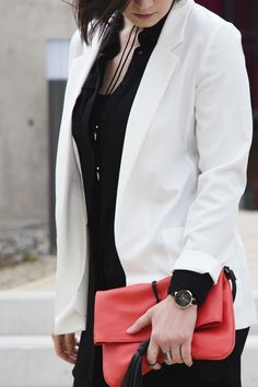 white blazer fashion style elegant outfit spring simple www.blackbeachchair.com