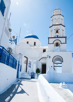 Santorini , Greece°°