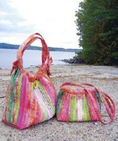 """Comfortable and easy just like an island vacation... the Bailey Island Hobo !  Got lots of leftover batting ? How about 2 1/2"""" fabric strips ? Here's a couple of practical and sweet hobo style bags to use them up !"""